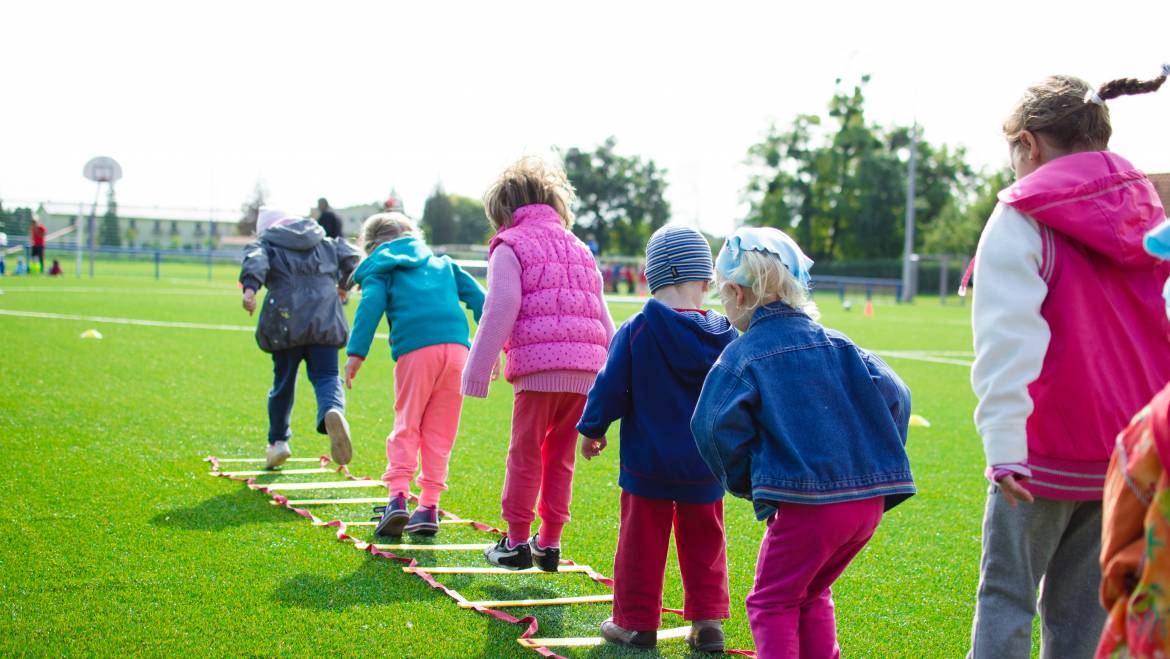 5 Outdoor Activities to Do With Your Kids This Summer